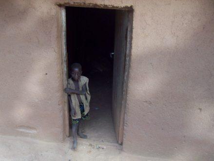 głodne dziecko w Burundi