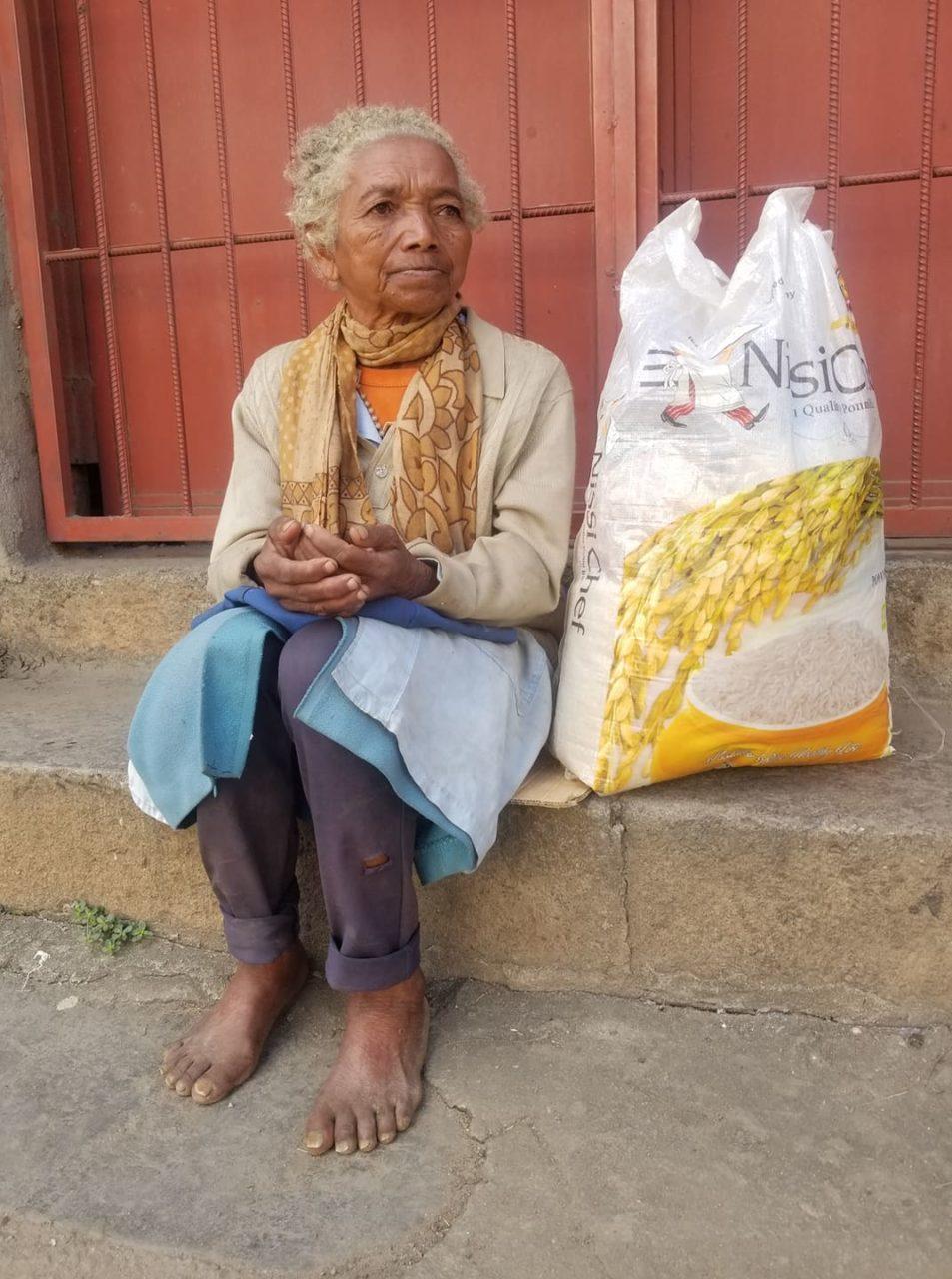 Odile - samotna wdowa, która już od lat żyje na ulicy